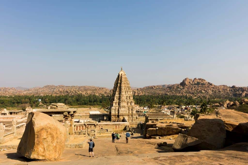 india contrasts hampi