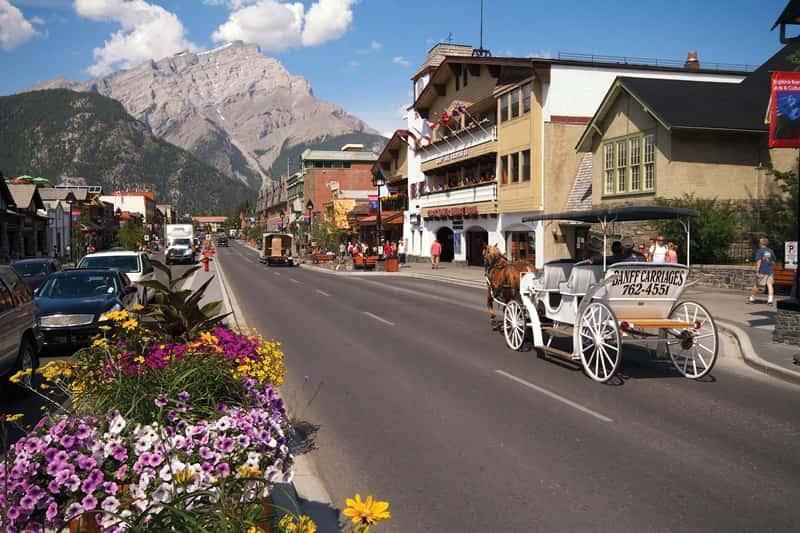Banff Holidays & Tours