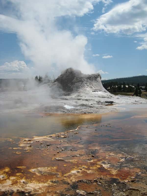 Yellowstone National Park Holidays & Tours