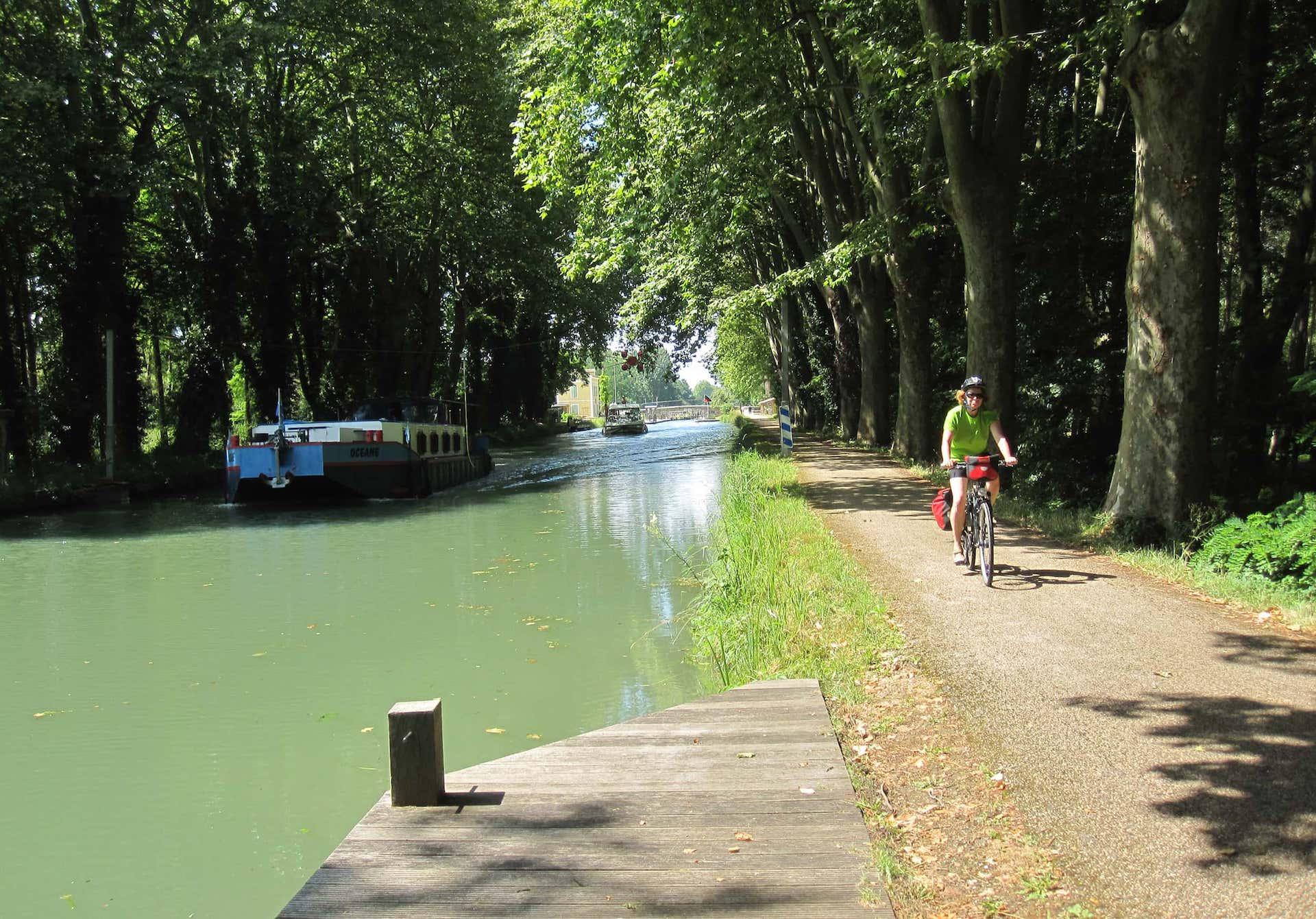 b8490191263 Self-Guided Cycling Canal de la Garonne