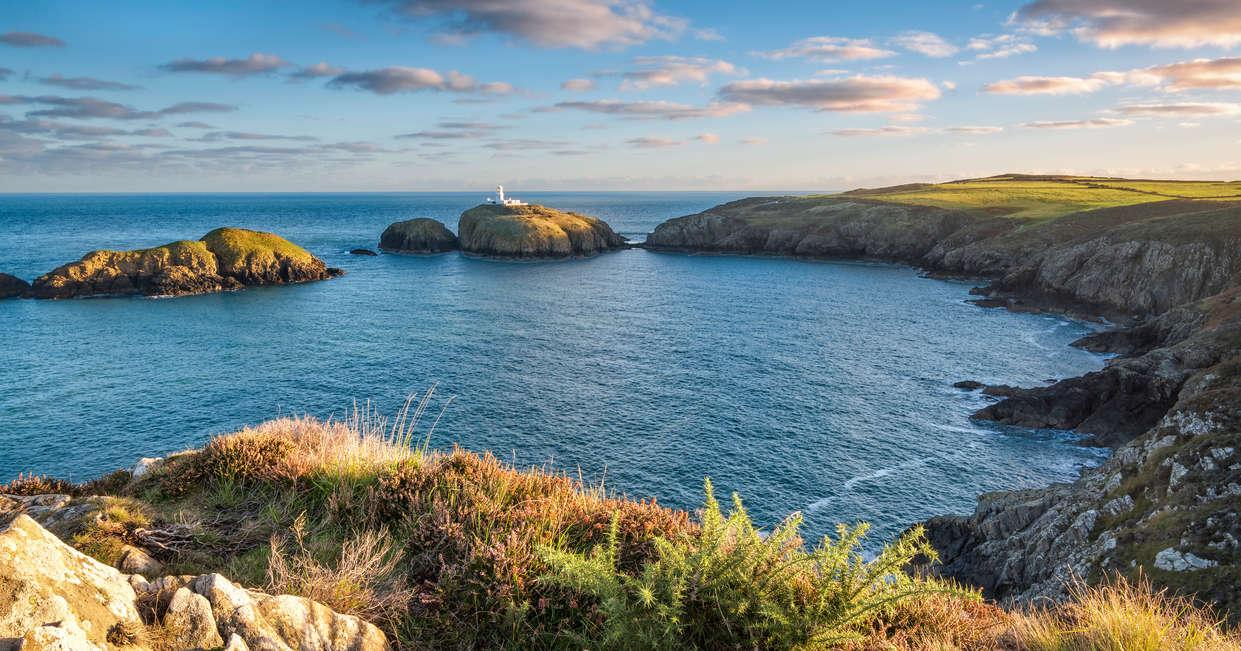 Carreg Onnen Bay and Strumble Head Lighthouse