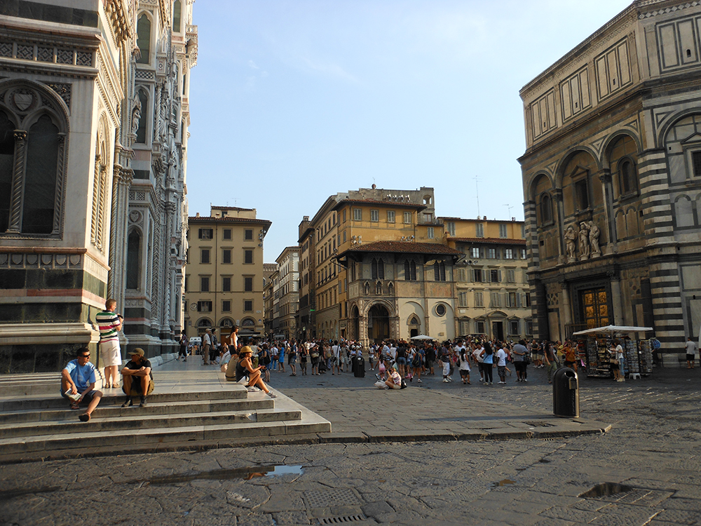 A typical outdoor scene in Florence