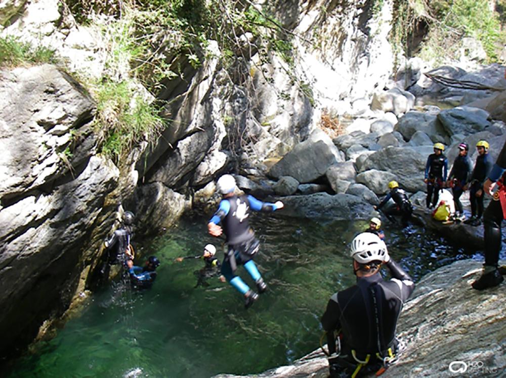 Optional canyoning