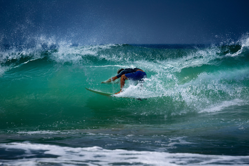 Surfing in Hikkaduwa (West coast version)