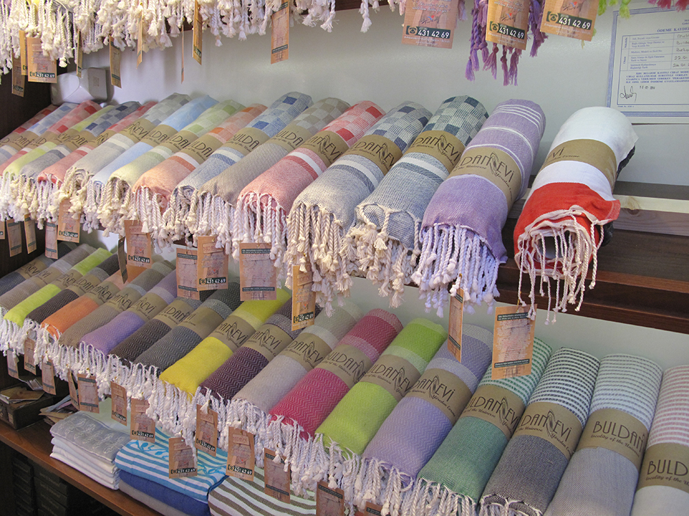 Textiles in Buldan