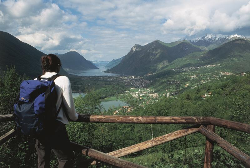 Views over lake Como